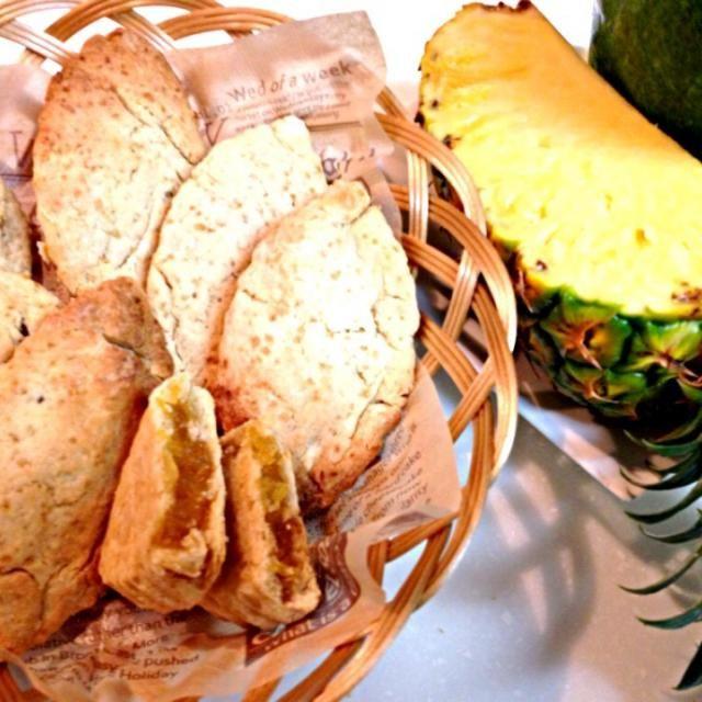 クックパッドID107737参考して作った台湾大人気のお菓子です^_^  パイナップル餡は冬瓜とパイナップルを一時間ぐらい煮詰めて甘さ控えめ甘酸っぱいな味、凄く美味しいです - 44件のもぐもぐ - 台湾のお菓子パイナップルタルト☆鳯梨酥☆ by ran521jp