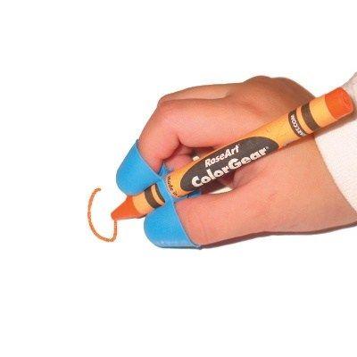 Los niños toman el lápiz de manera instintiva con toda la mano, como si fuera una garra, pues es la forma más fácil de hacerlo cuando son pequeños. Con el tiempo, la observación y la práctica, algunos niños van adoptando la postura correcta de manera natural, pero otros, la mayoría, necesita un poco de guía … … Sigue leyendo →