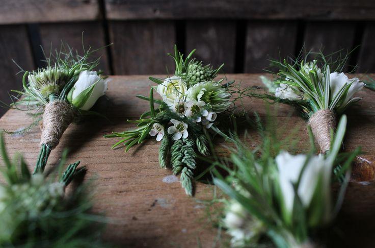 Rustic gathered buttonholes - www.theflowermilldraycott.co.uk