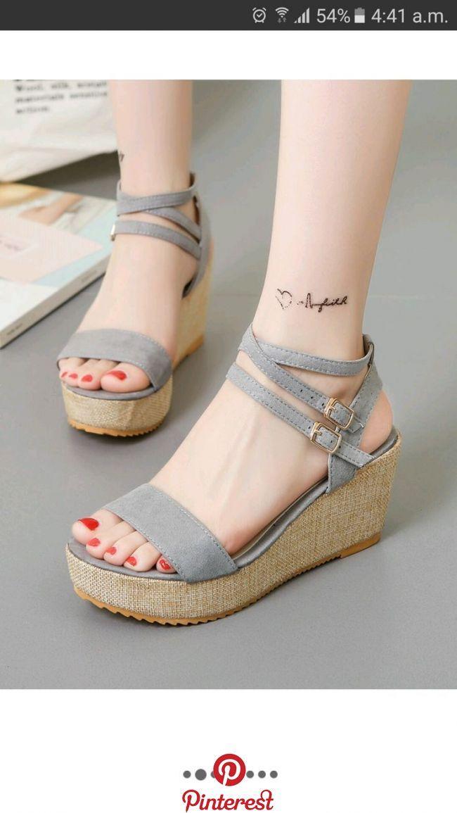 Pin Di Sepatu Sneakers Wanita Terbaru Murah