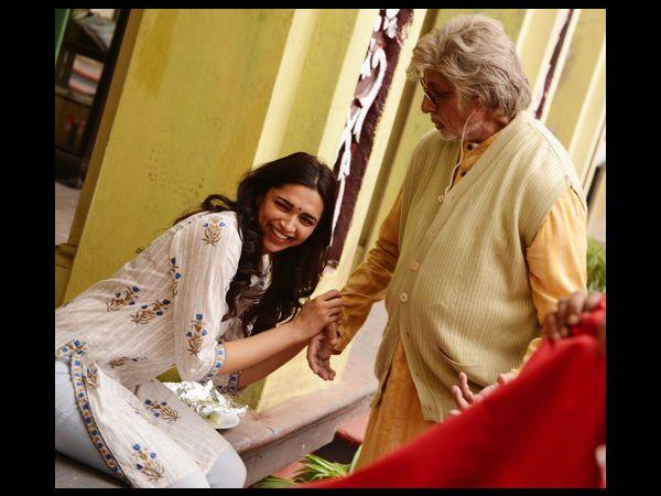 Big B Praises All Daughters Deepika Pics - Piku 2015