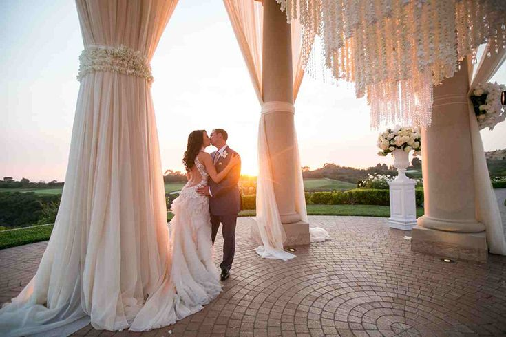 Southern California Weddings | A Details Details wedding at the Resort at Pelican Hill | Venue @pelicanhill | Photography @johnandjoseph | Blog @StrictlyWedding