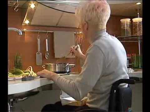 Kitchen For Wheelchair Users I Like The Shape Of The Countertop And Many Of The Features Of