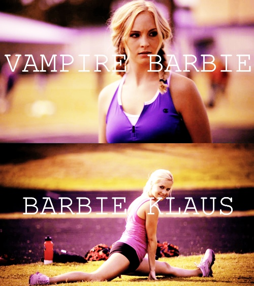 Vampire barbie vs. Barbie Klaus.
