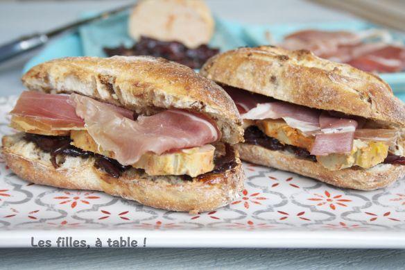 Tapas au jambon, foie gras, et oignons confits | Les filles, à table !