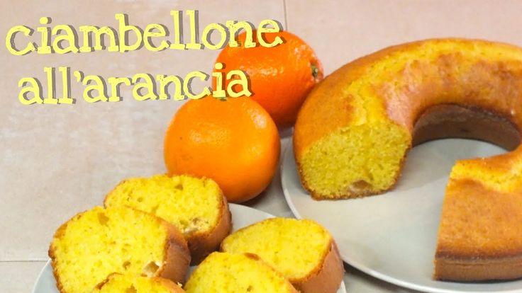 Ricetta facile per fare in casa il ciambellone all'arancia un dolce molto semplice e morbido, si aggiungono succo di arancia fresco e bucce candite.