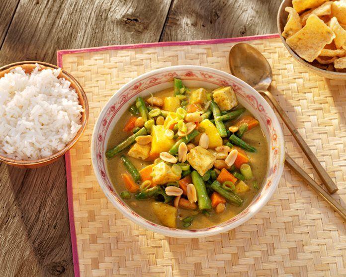 Thaise Massaman Tofu Curry met zoete aardappel en ananas recept