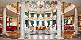 """149€ – - Bremens einziges 5-Sterne-Hotel mit Upgrade, -34% -- Das luxuriöse Dorint Park Hotel Bremen kann sich mit viel Lob schmücken. """"Bestes Hotel Bremens"""", schwärmt der bekannte Hoteltester Heinz Horrmann. Für 149 € pro Zimmer und Nacht urlauben Sie jetzt im Bürgerpark am See. Sie sparen bis zu 34 Prozent."""