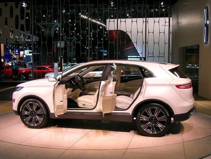 2013 Lincoln MKC concept SUV