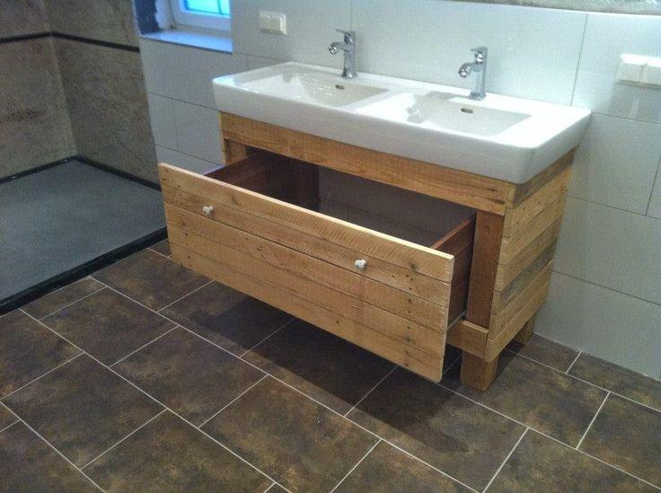 Muebles de palets mueble para el lavamanos y espejo for Muebles para lavamanos