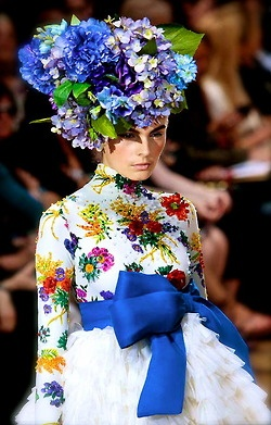 chiffonandribbons:    Josep Font F/W 2008: Flowers Bombs, Blue Bows, Blue Flowers, Dresses Up, Floral Headdress, Flowers Crowns, Flowers Power, Floral Headpieces, Josep Font