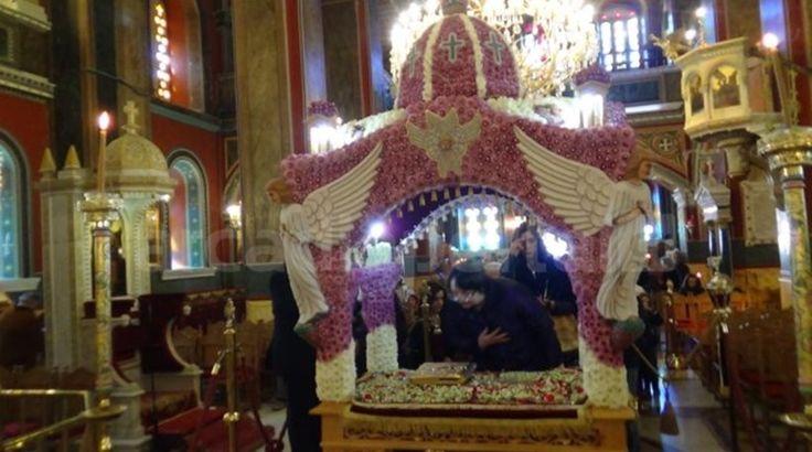 Οι τέσσερις άγγελοι φυλάνε στις τέσσερις γωνίες τον Άγιο Τάφο
