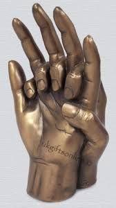 Resultado de imagen para manos entrelazadas