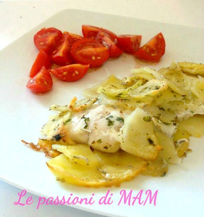 Filetti di cernia in crosta di patate secondo piatto di pesce semplice da preparare e saporito