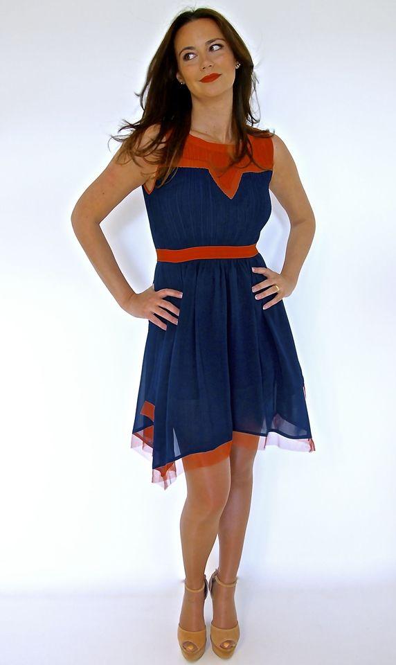 Vestido curto bicolor