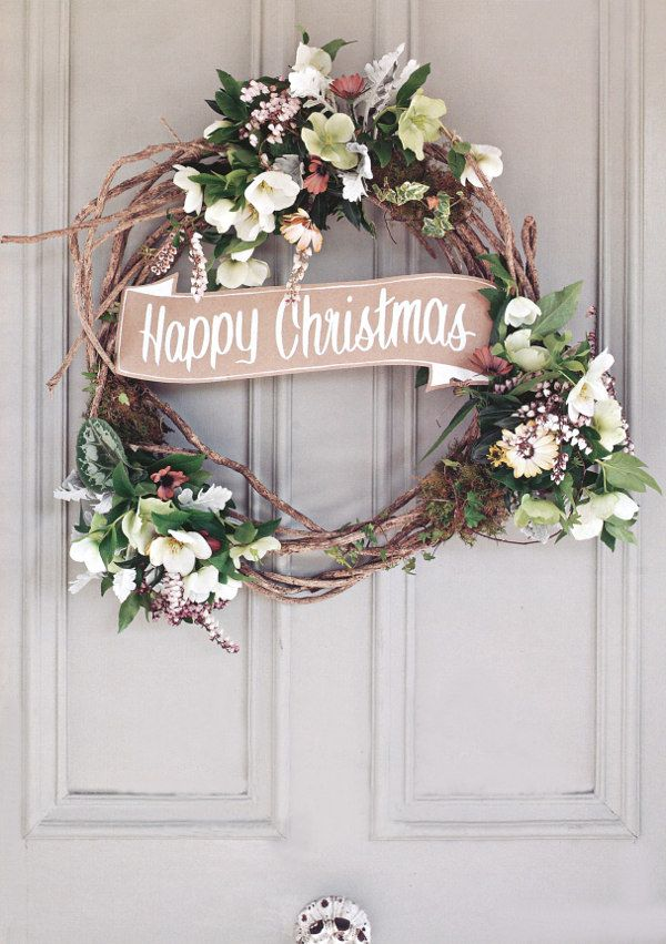 love this wreath! (Happy Holidays on banner ... would last all through holidays