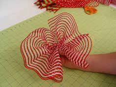 ruffle deco mesh wreaths | Deco Poly Mesh Wreath Tutorial using RAZ Cookie Decorations Trendy ...