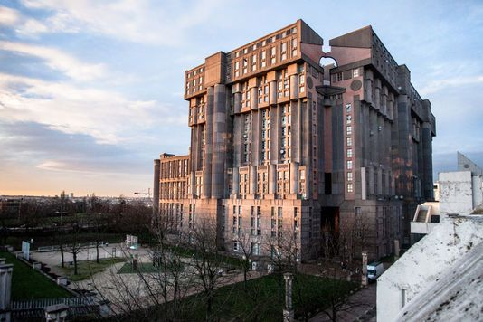 Noisy-Le-Grand, Paris' suburb, building byRicardo Bofill, looks like Gotham CIty