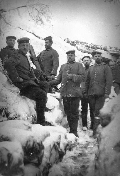 WWI, German soldiers in a snowy trench, Vosges