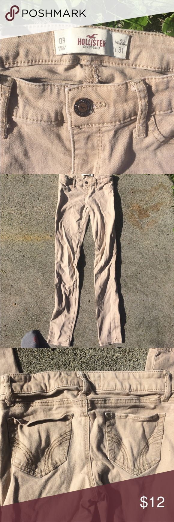 Juniors Hollister Stretch Chinos khakis Wow! Good condition, used hollister pants for so cheap?! That's right! These stretch pants (24 width, 31 length) closely hug your legs making you look tall and thin. A staple in anyone's wardrobe, paired with sneakers, sperrys, whatever! They're chino material but almost like jeggings. You'll look great 😍 Hollister Pants Skinny