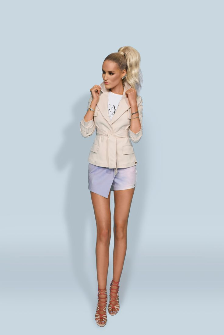 https://joshv.com/kleding-joshv/collectie/seventeen-joshv-17 Perfect inbetweener! The JOSH V Railey is the perfect 'in between' jacket provided with classic trench coat details. Wear the Railey trench coat during the summer and in the early fall with the Lyra Skort and Healy Heels. #JOSHV #Highsummer #Summer #Lookbook #Skort #Top #Jacket #Heels #Outfit