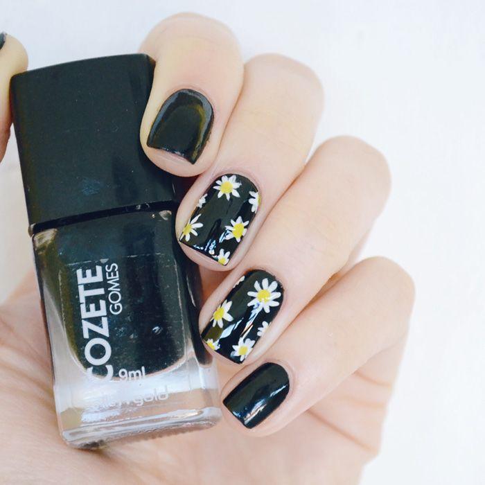 Nail art: margaridas com fundo preto