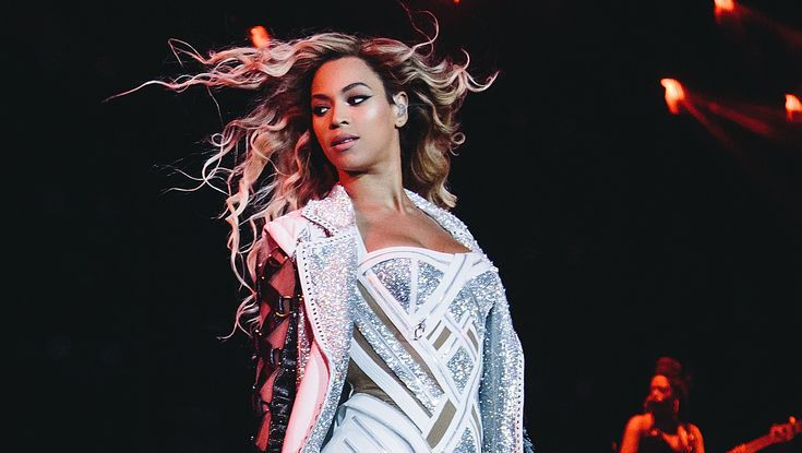 Beyoncé Knowles Tops The FORBES Celebrity 100 List: http://www.forbes.com/sites/dorothypomerantz/2014/06/30/beyonce-knowles-tops-the-forbes-celebrity-100-list/