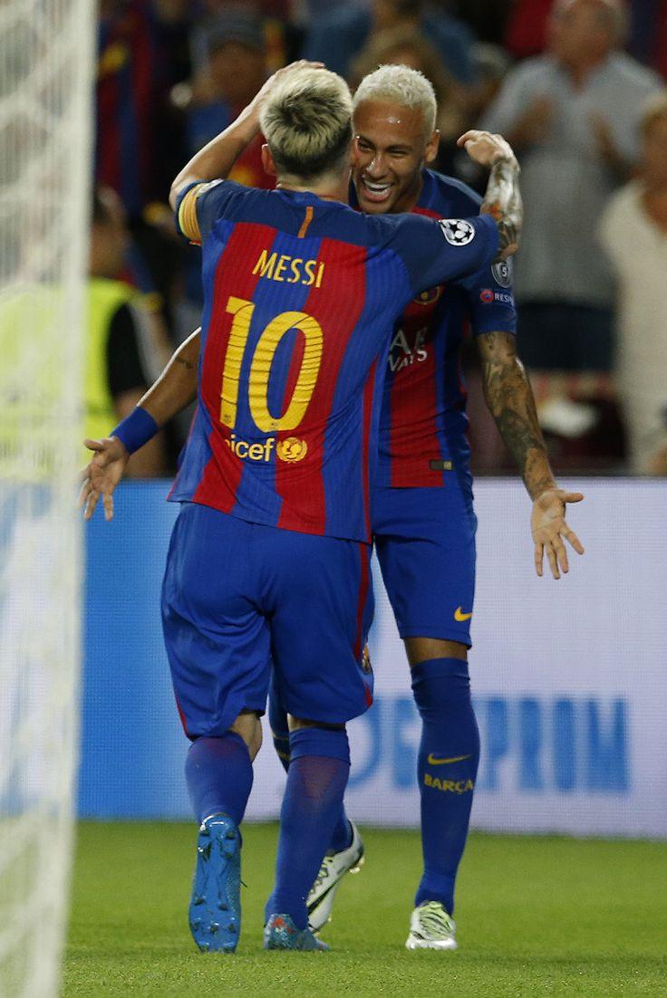 Neymar 0x6 Messi: brasileiro tenta 1º gol em duelo particular contra o amigo #globoesporte