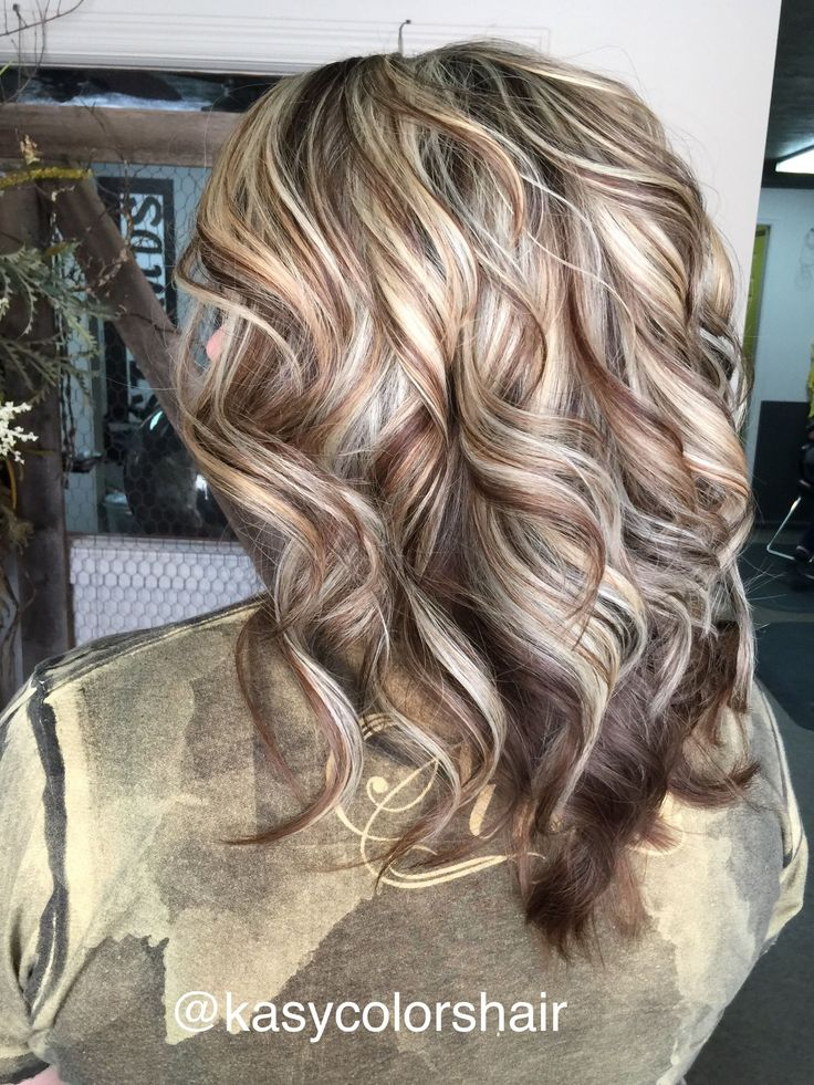 Blonde highlight & brown lowlight @kasycolorshair #lewisburgtn #strandssalon