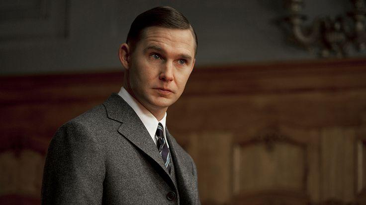 Brian Geraghty - Agent Warren Knox...