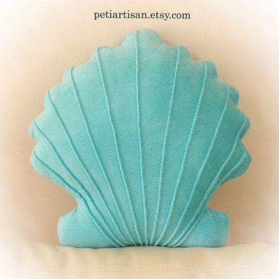 Concha en forma de almohada Seashell juguete por PeTiArtisan