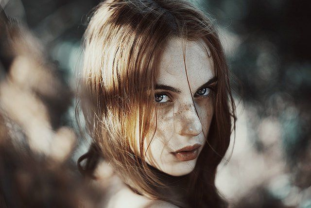 Photographer Uses Natural Light & Subdued Tones to Create Gorgeous, Atmospheric Portraits