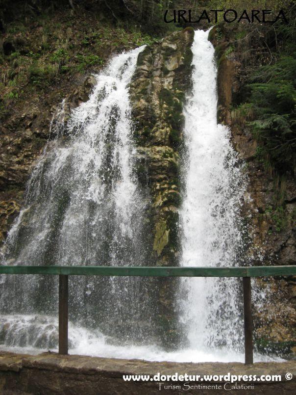 Urlatoarea waterfall, Bucegi