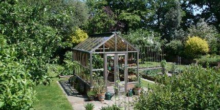 De RHS Planthouse is de nieuwste kas. De naam is vanwege de hoogte  De planthouse is vanwege zijn structuur uitermate geschikt voor exotische planten zoals bananenplanten en fruitbomen.