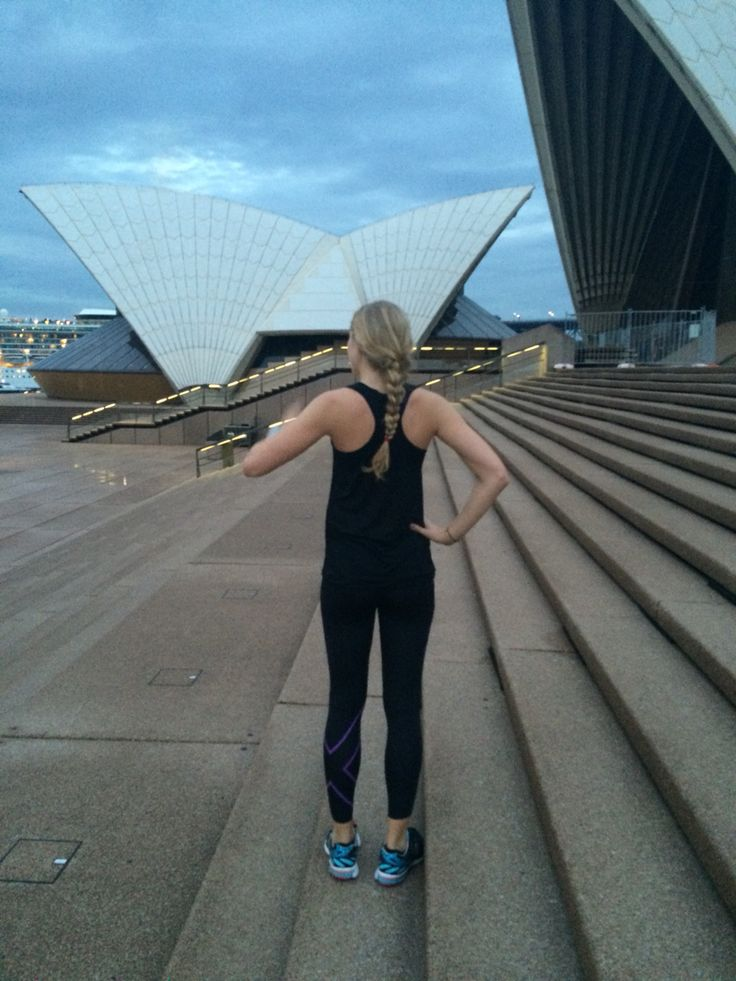 Early morning run around the Opera House in the new #A400 top. Cheeky fast run 10k. #smhrecruitskins