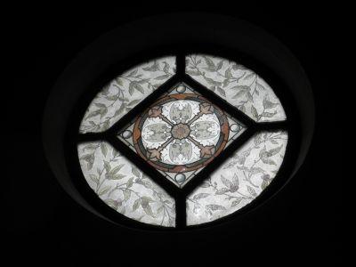鶴岡カトリック教会:窓絵 ステンドグラスでは無く窓絵と呼ばれる。日本ではここだけが現存