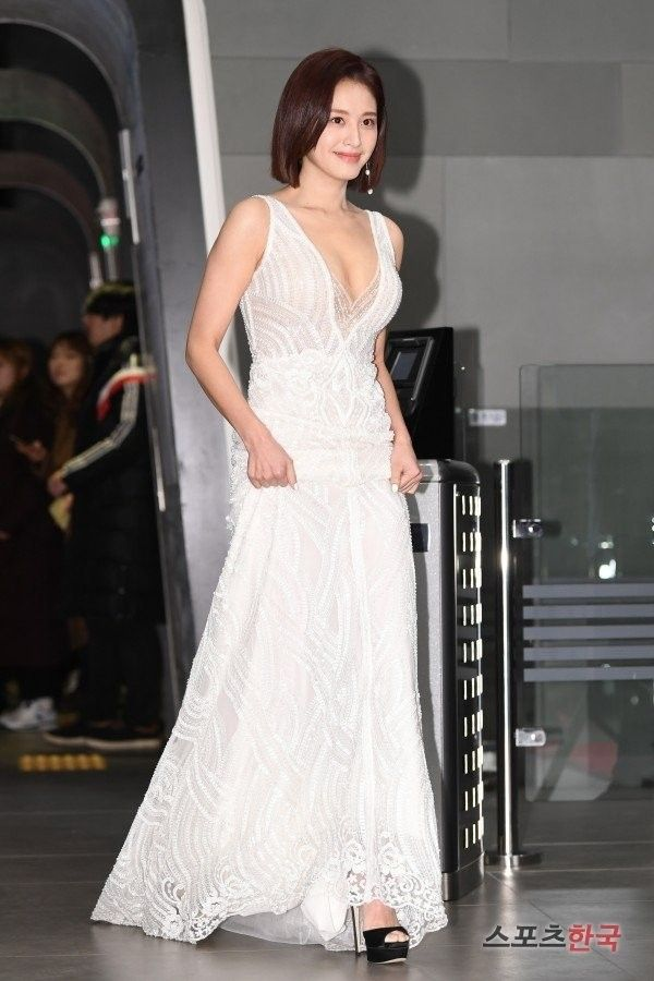 Kim Jaekyung @ 2018 MBC Drama Awards Red Carpet   ɢɪʀʟ