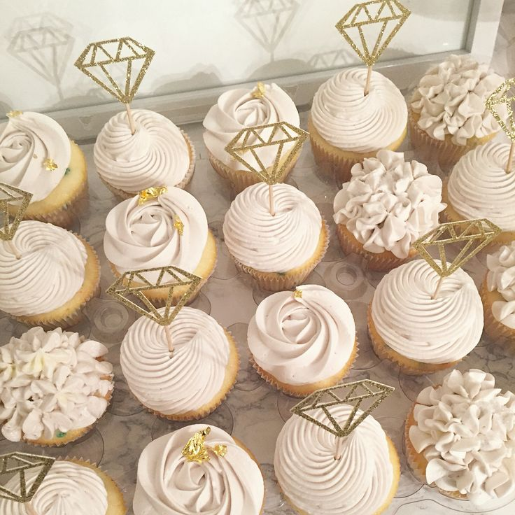Bridal cupcakes, rustic shower, hydrangea, roses, diamond ring, buttercream cupcakes