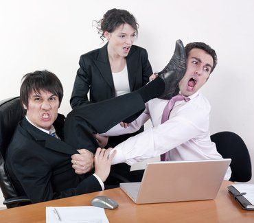 Résoudre les problèmes relationnels au travail est une pure tâche de communication ! Le communicateur d'entreprise doit jouer un rôle essentiel dans ce contexte de relations interpersonnelles. Il s'agit de : - ne pas nier la situation ou dire que l'on...