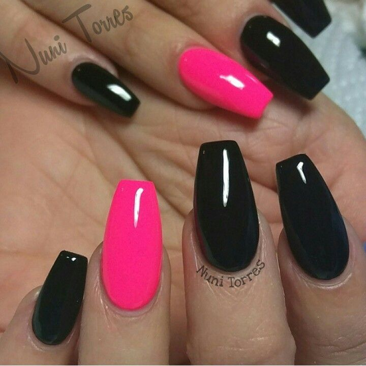 Hot Pink And Black Cute In 2019 Nail Designs Black Nails Pink Black Nails Pink Acrylic Nails Wedding Nails Glitter