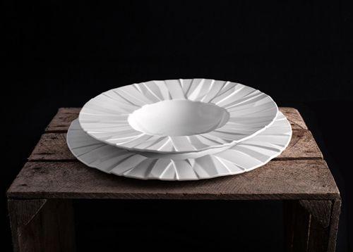 """Kolekcja porcelany """"Linha Matrix"""" / project: Bartek Mejor / Production: Vista Alegre Atlantis / www.vistaalegreatlantis.com"""