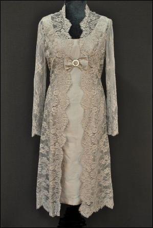Moeder van de bruid en bruidegom Vintage kanten jurk en jas Hoeden |  Joyce…