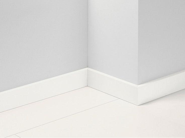 Sockelleiste: 70 mm x 17 mm • Innenliegender Kabelkanal ✓ Parador Sockelleiste SL 18 Weiß grundiert D004 70 mm x 17 mm Länge 2570 mm ➜ Leisten bei OBI