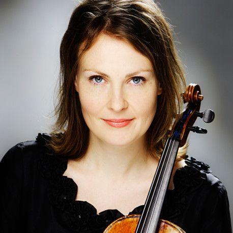 Laura Vikman Riihimäen Kesäkonserteissa 8.6.2016.