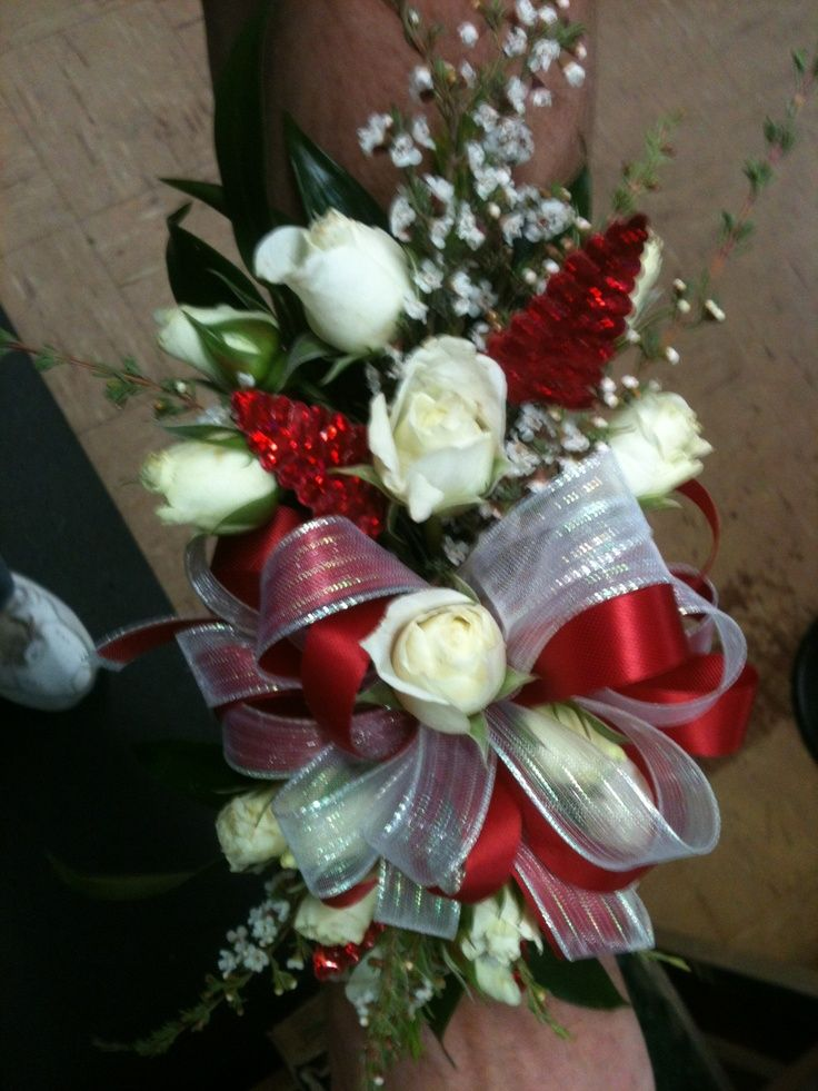 Wrist Corsages for Homecoming | Prom Wrist Corsage