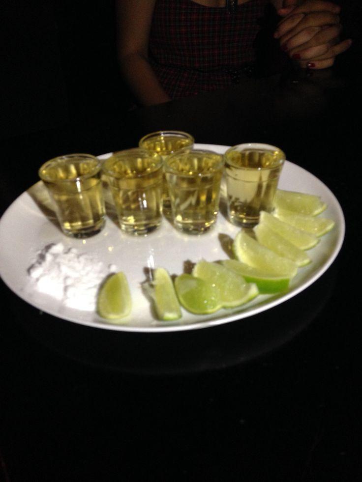 Uma dose de tequila ou duas ou três ou até umas quatro