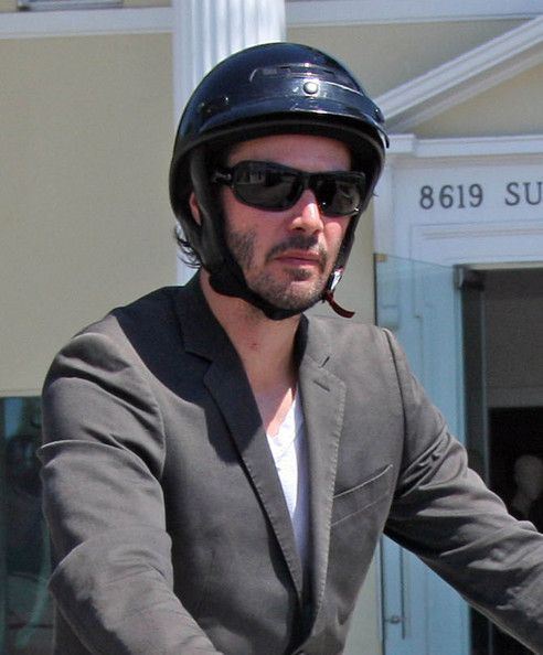 keanu reeves photos photos keanu reeves sports a beard and some leather gloves as he