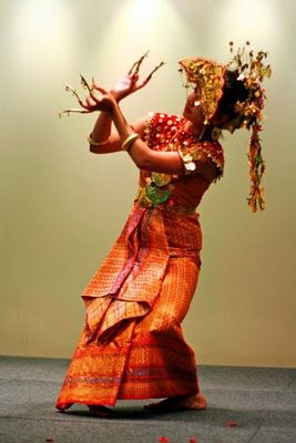 Sejarah Tarian Gending Sriwijaya - Kayuagung   OKI