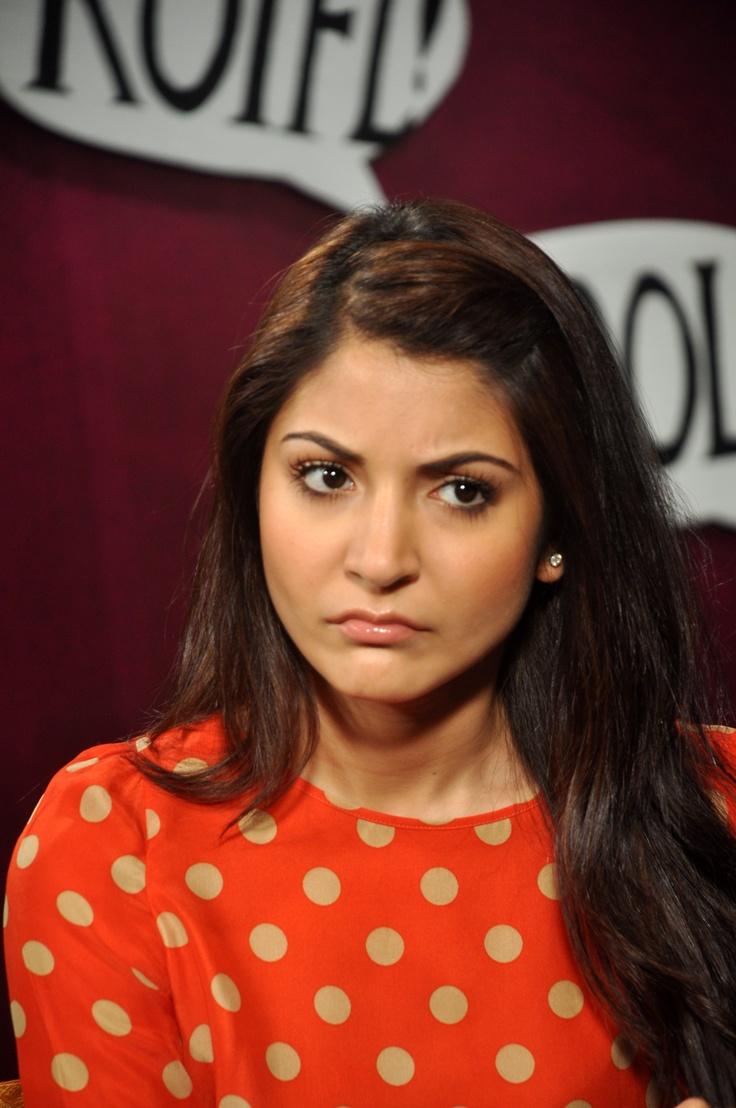 Anushka Sharma in her aggressive looks.    #anushkasharma #zoomtv #bollywood