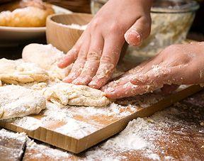 Une recette à faire avec les enfants de #pâte à sablé à décorer avec les enfants